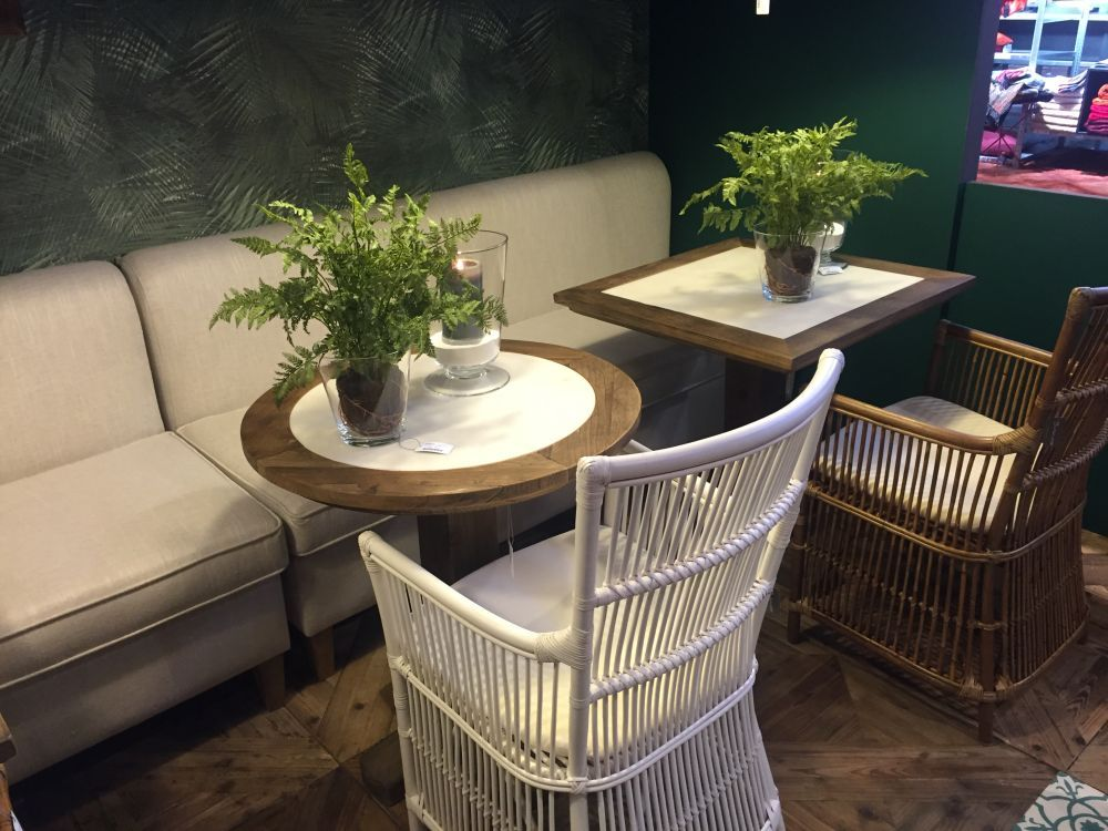 Rattan Furniture And Accessories Reveal Their Casual And Versatile