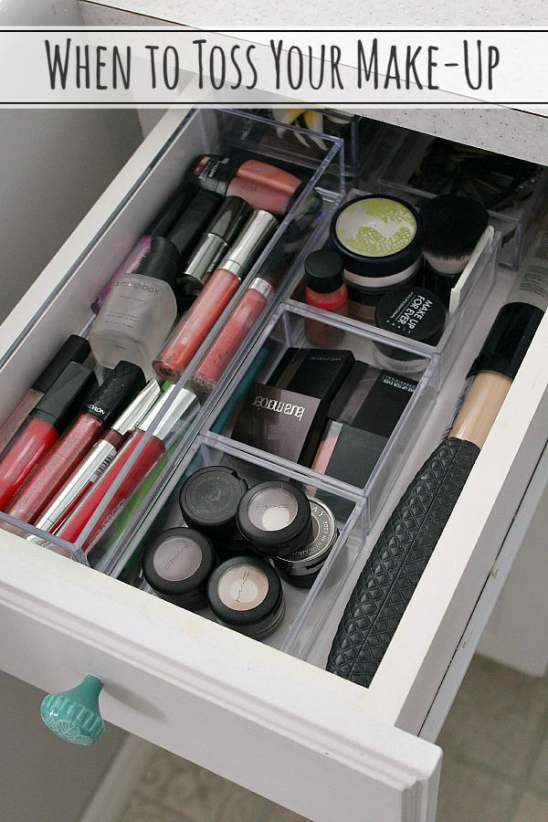 Simple And Easy Tips For Doing Up Your Bathroom: Easy Makeup Organization Tips