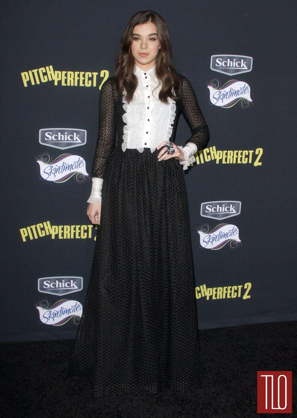 3b888c4a9 Hailee-Steinfeld-Pitch-Perfect-2-Los-Angeles-Movie-Premiere-Red-Carpet-Fashion-Dolce-Gabbana-Tom-Lorenzo-Site-TLO  (1)
