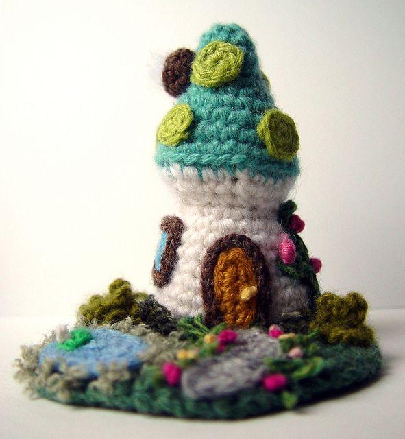 Sandy Meeks | Haus häkeln, Pilzhaus und Schöne sachen
