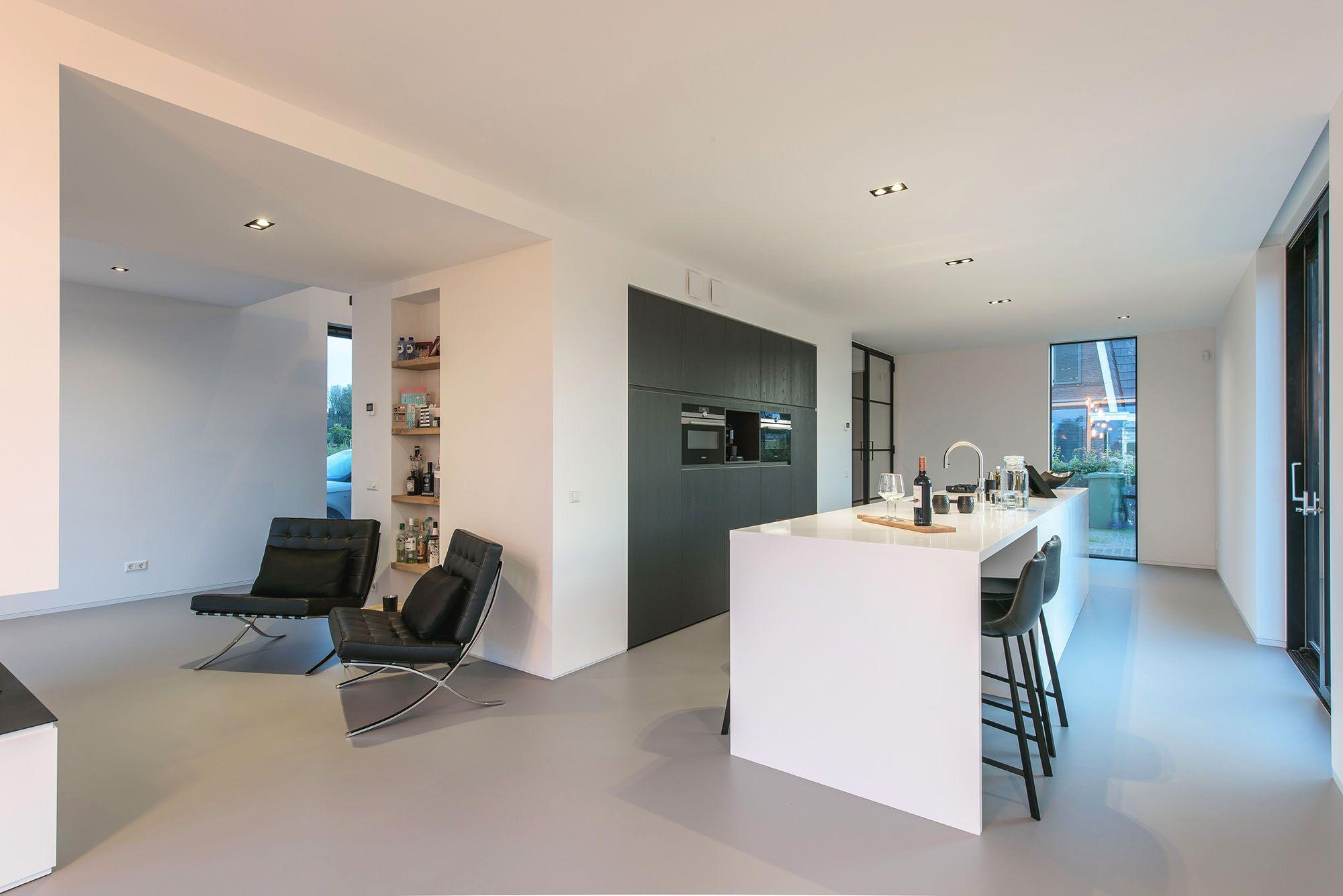 Kookeiland Open Keuken : Modern villa interior kitchen in maasluis holland by jury