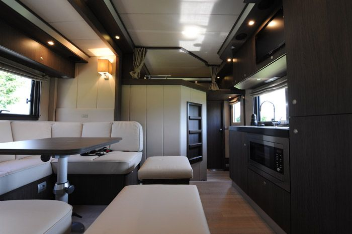 stephex stx horseboxes stx motorhomes stephex stables rvs with modern interiors. Black Bedroom Furniture Sets. Home Design Ideas
