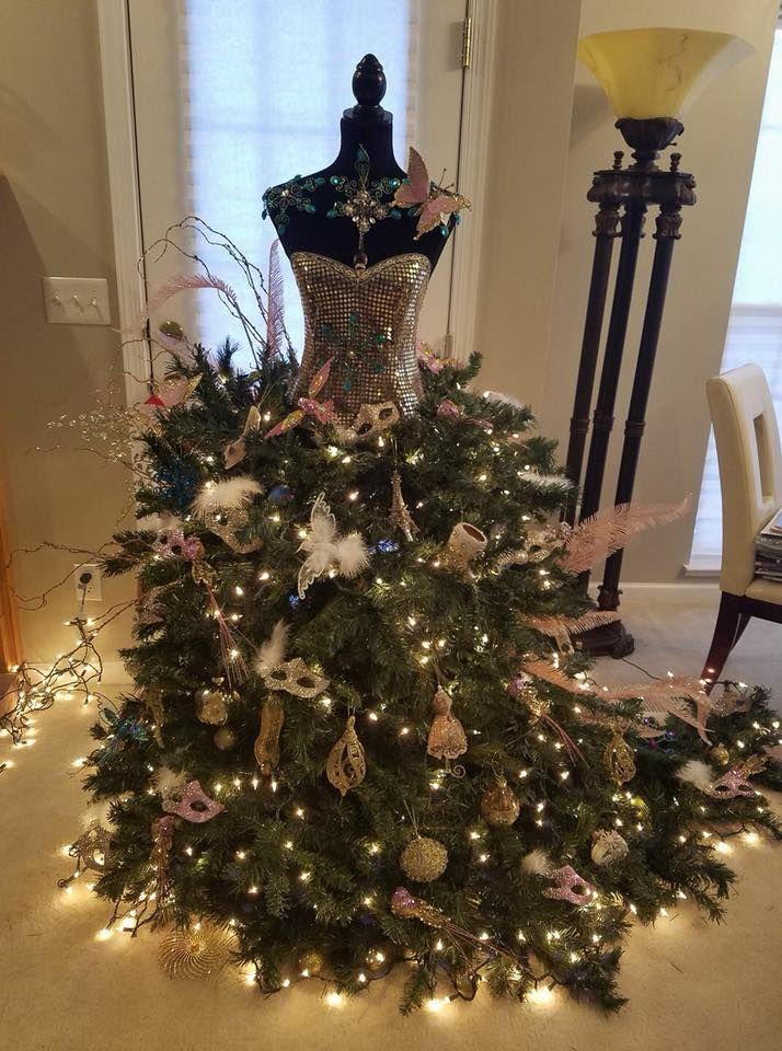 25398889101552271421779514937338442019823153njpg 714960 Christmas tree
