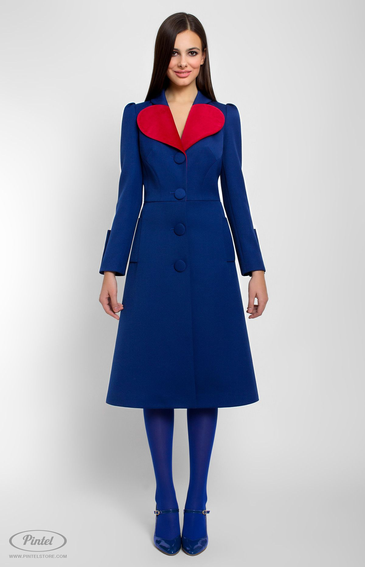 Long-sleeve slim-fit genuine wool coat decorated with red velvet. Front buttons. Side pockets.