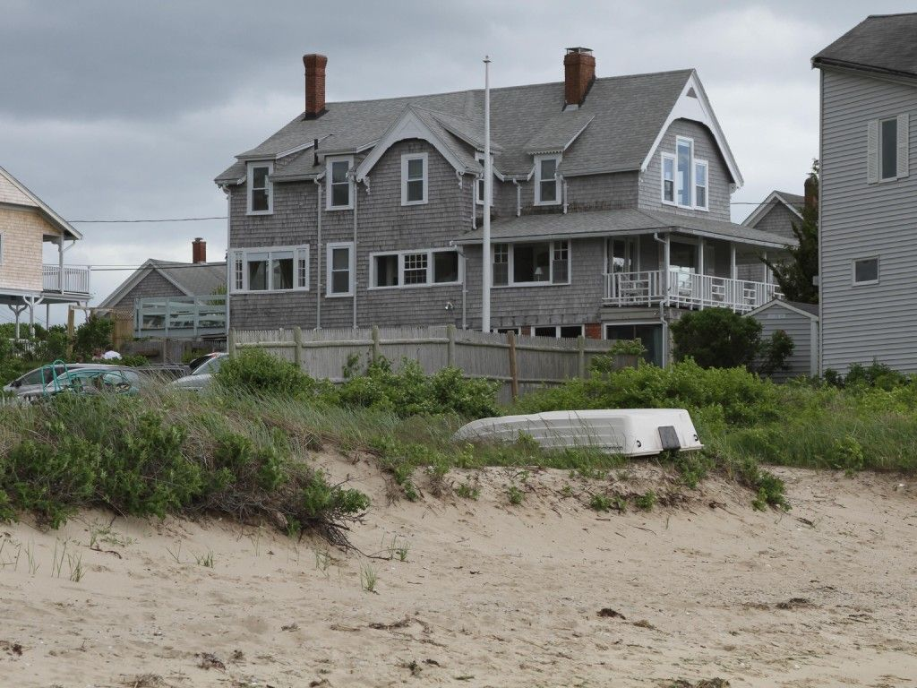 Monument Beach Cottage Rental Beautiful Waterfront Cape Cod House With 6 Bedrooms And Private Beach Homea Beach Cottage Rentals Vacation Rental House Rental