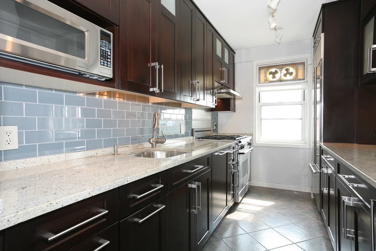 4555 Henry Hudson Parkway 1209 Co Op Apartment Sale At Briar Oaks In Riverdale Bronx Streeteasy Kitchen Renovation Henry Hudson New York City Apartment