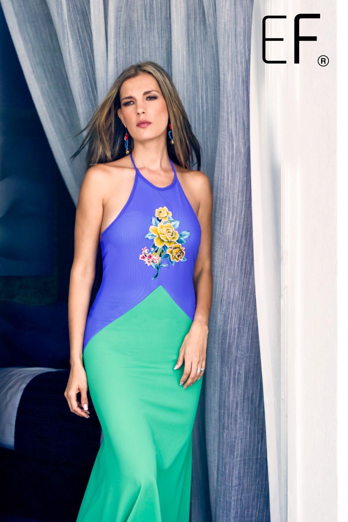 Hermoso vestido en dos tonos con flores al centro, de nuestra Colección Boutique. #dress #fashion #mexicandress #modacancun #fashionmexico #diseñadorademodas