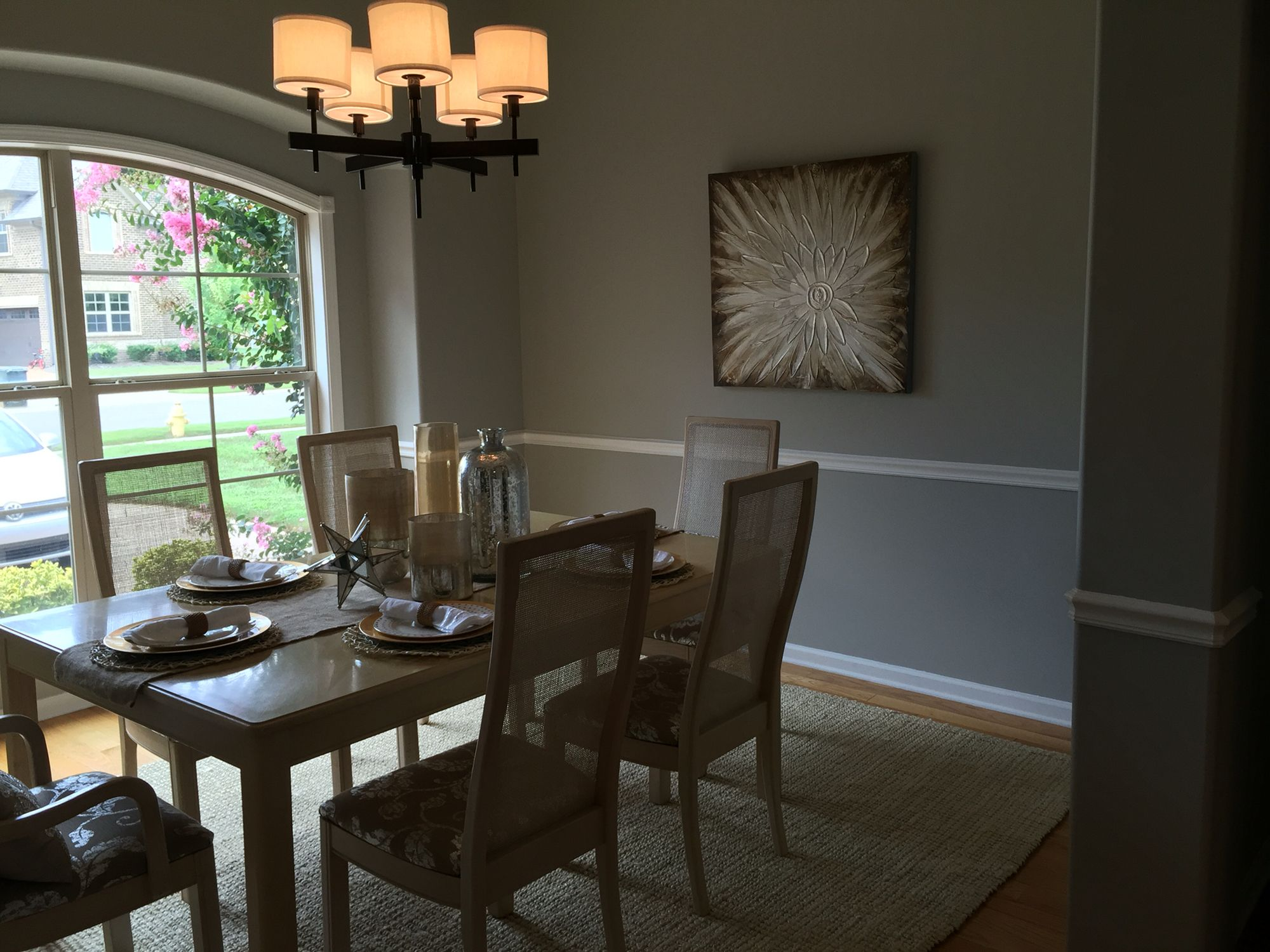 Staged dining