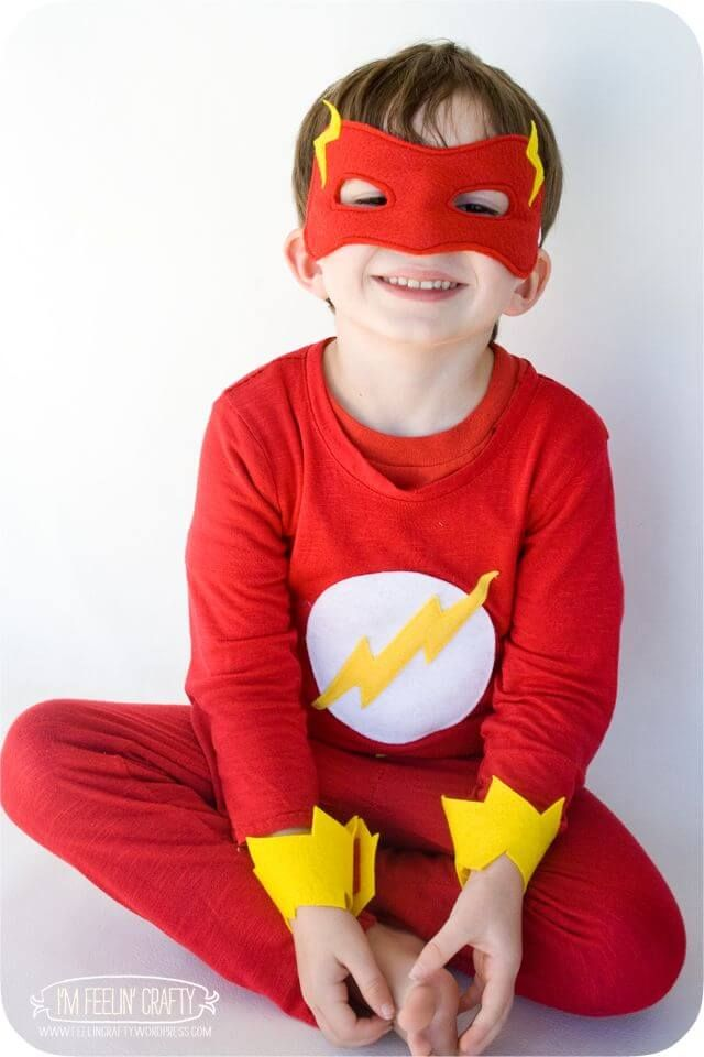 12+ DIY Superhero Costume Ideas for Kids   Flash halloween ...