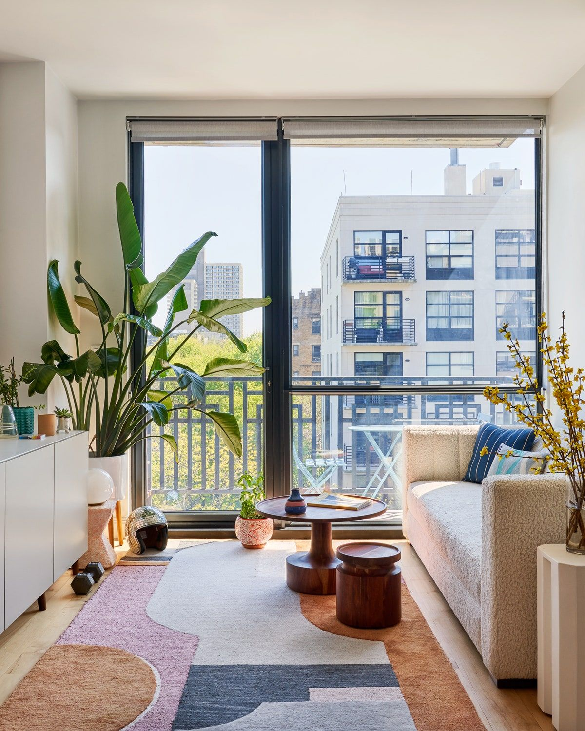 Tour A Brooklyn Apartment Full Of Bold Color And Cheerful Decor Nyc Apartment Decorating Small Apartment Interior Apartment Interior Design Living room ideas nyc