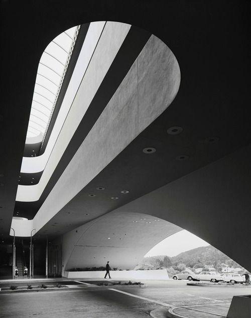 b/w architecture