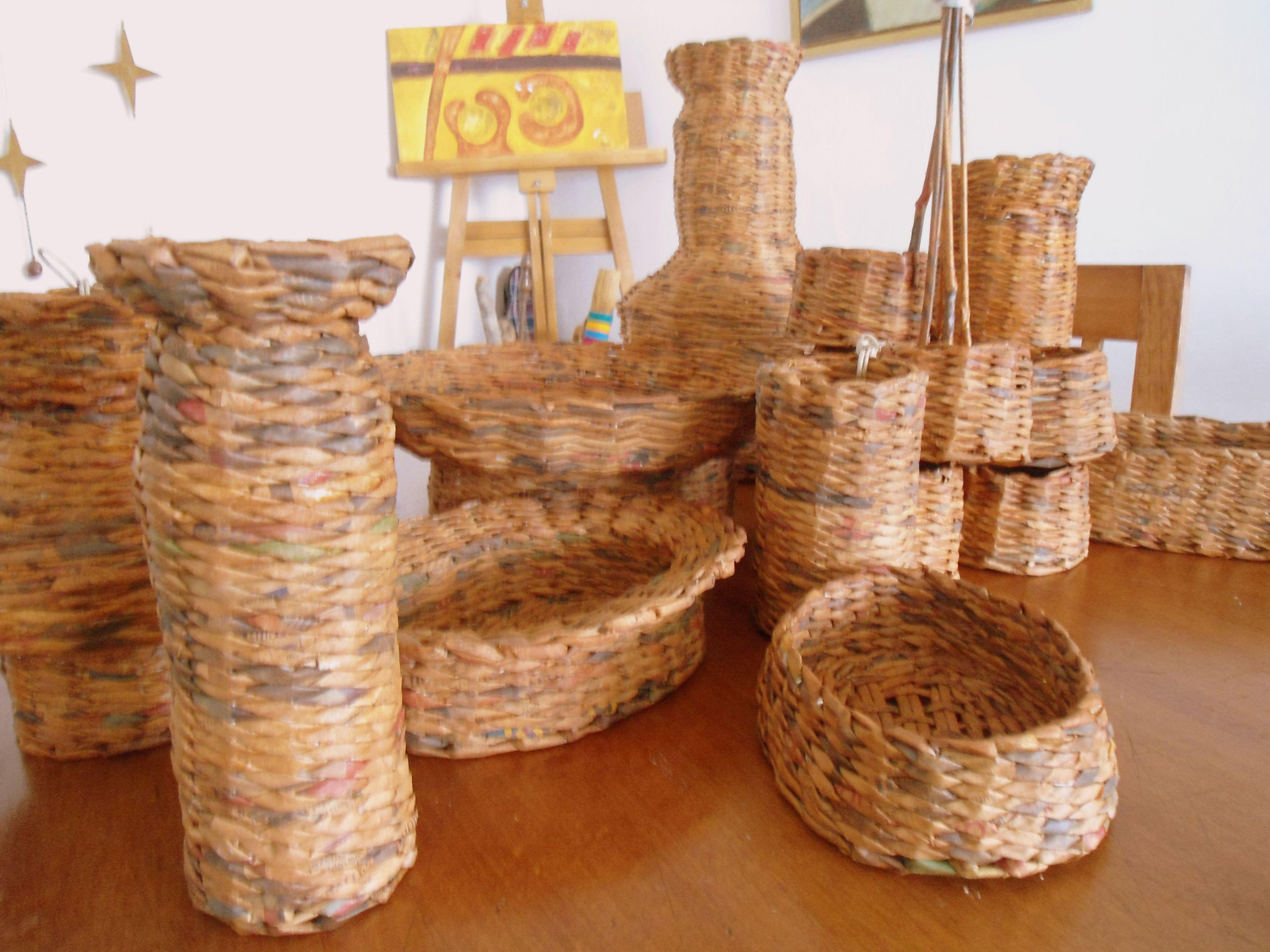 Canastos de papel reciclado decoracion dise o y - Manualidades de papel reciclado ...