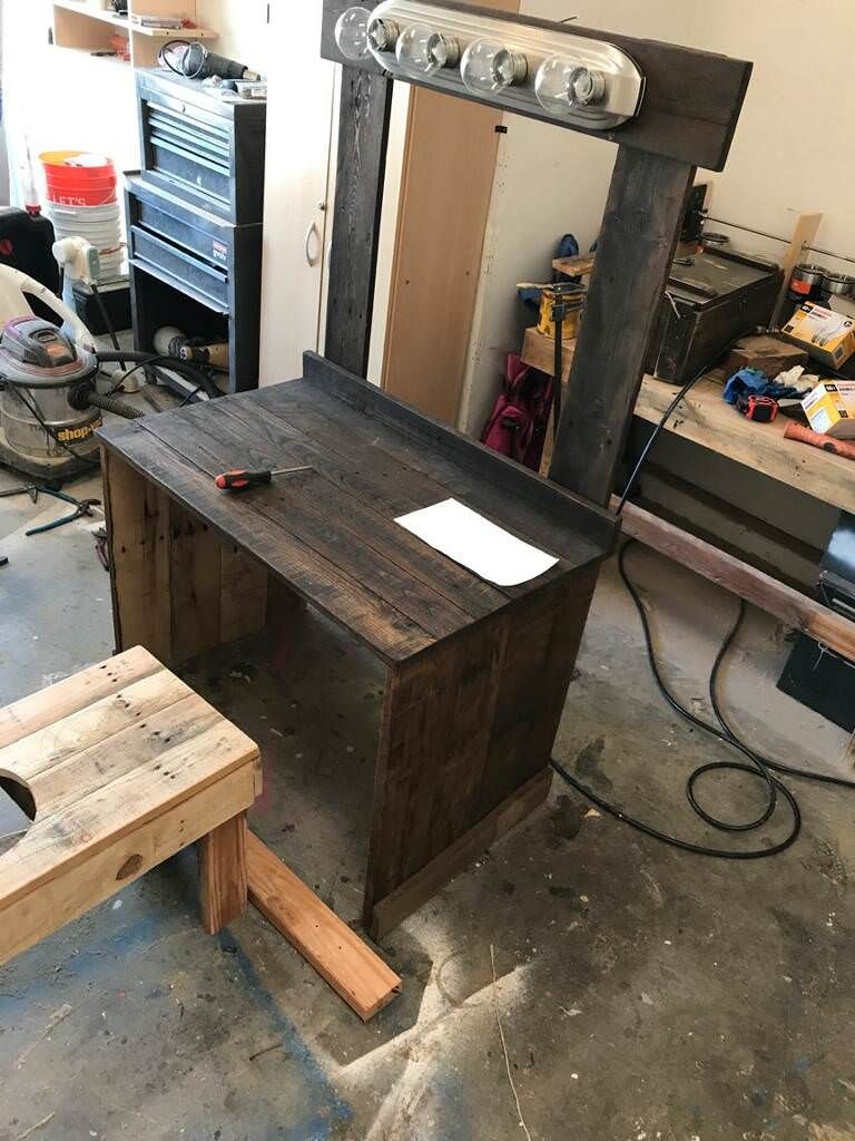 Make-up vanity that i made with reclaimed pallet wood. (# ...