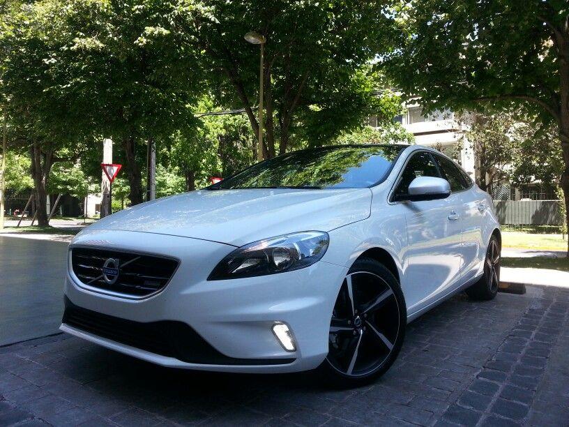 Volvo s40 r design white dress