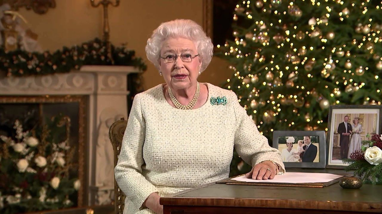 Queen Warns OBAMA NOT LEAVING OFFICE 2016 2017 | Prophecy of Bible ...