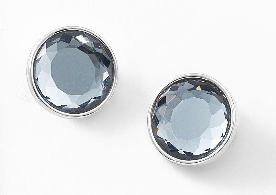 5599c8865670 Aretes con baño de rodio y piedras de cristal.