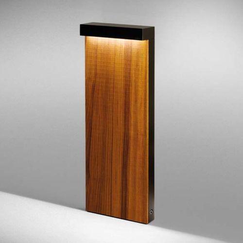 borne d 39 clairage de jardin contemporaine en bois en. Black Bedroom Furniture Sets. Home Design Ideas