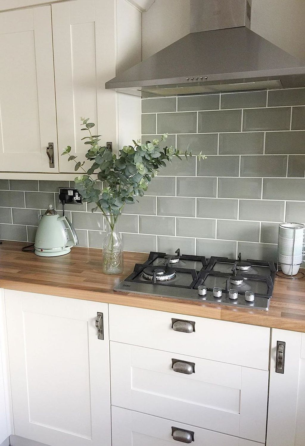 33 Awesome Backsplash Kitchen Wall Ideas That Every People Want It Kitchen Wall Tiles Design Kitchen Remodel Small Green Kitchen Backsplash