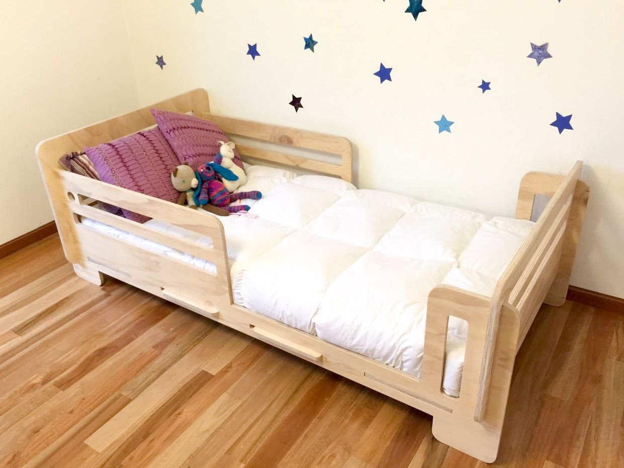 Cama montessori buscar con google habitaci n cata for Cuna para habitacion pequena
