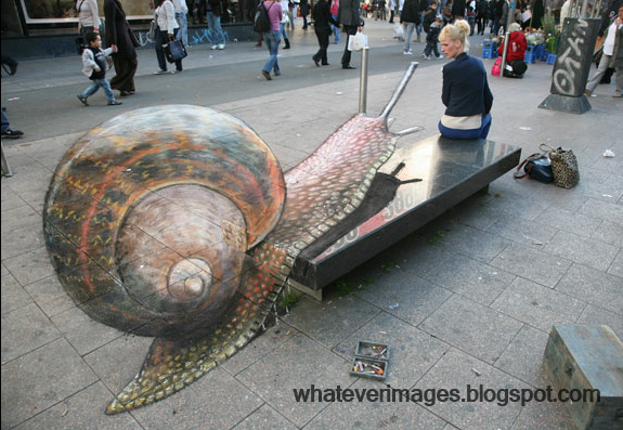 Street Art London - The Slug - http://www.morepics.net/