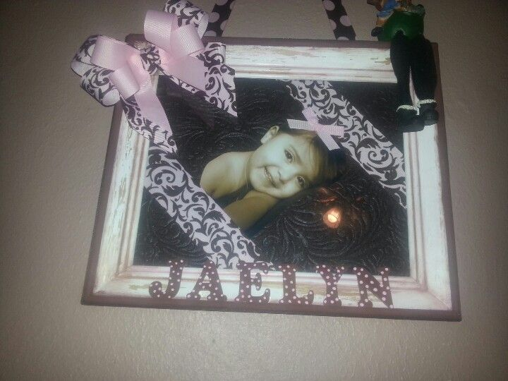 Old frame, fabric, ribbon and paint = beautiful♥♥♥