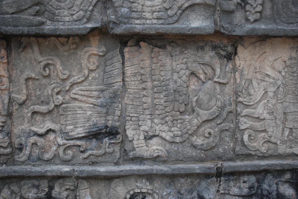 chichen+itza+stone+carvings.jpg (960×642)