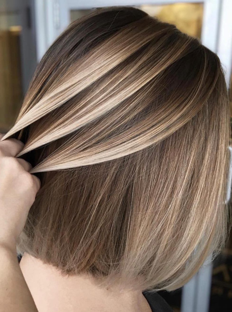 50 Gorgeous Balayage Hair Color Ideas For Blonde Short Straight Hair Short Straight Hair Is Perfect For Short Hair Balayage Balayage Hair Brunette Hair Color