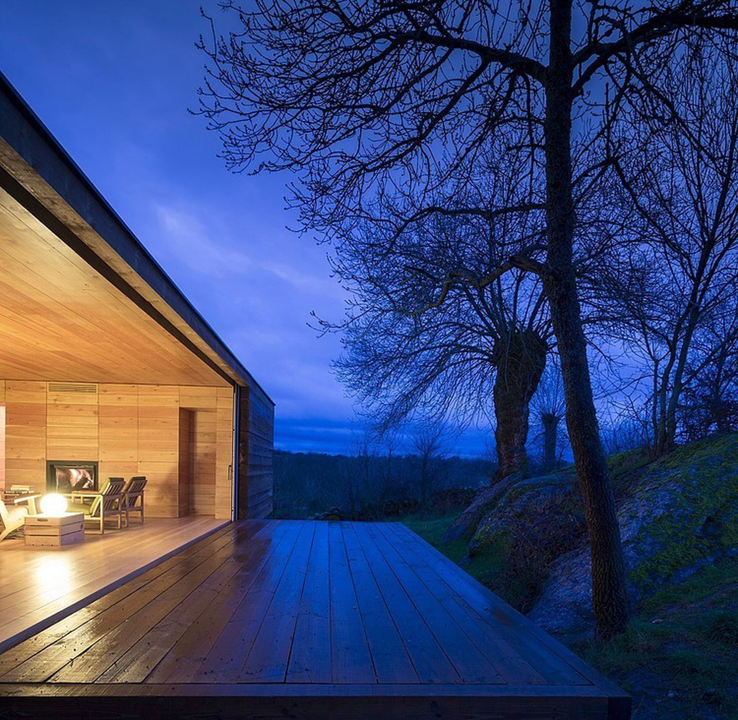 Spanish couple built a modern retreat among grazing sheep curbed