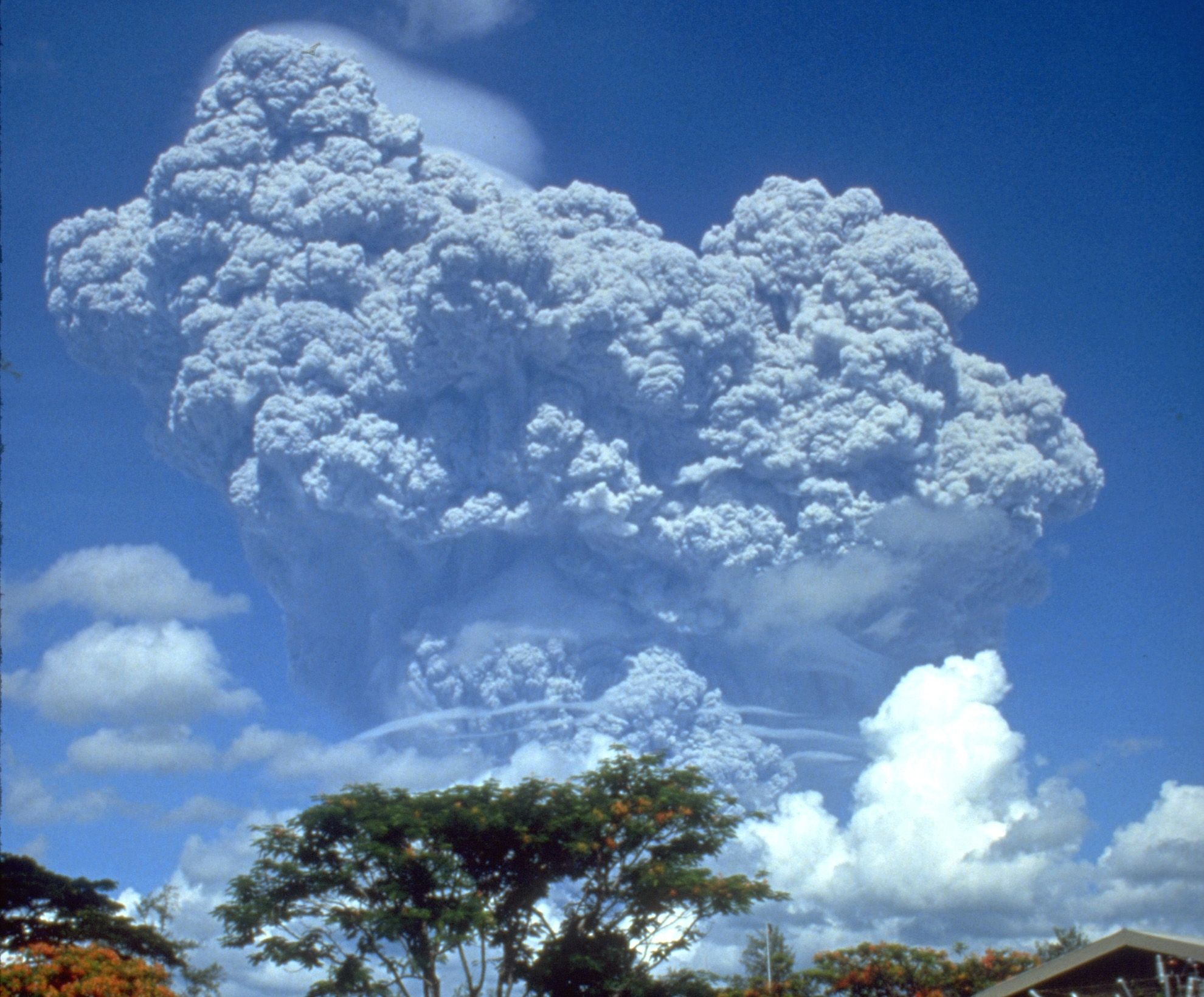 How an Uncommon Mineral Can Reduce the Climate Impact of an Eruption ...