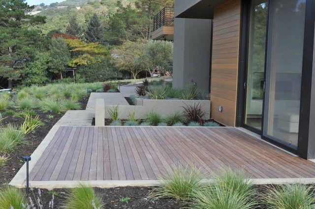 Concrete Deck Edge Modern Landscaping Modern Landscape Design Ground Level Deck