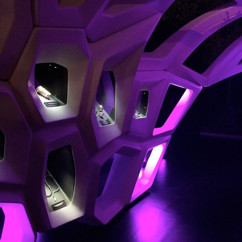 zaha-hadid-bulgari-serpenti-installation-milan-design-week-designboom-09