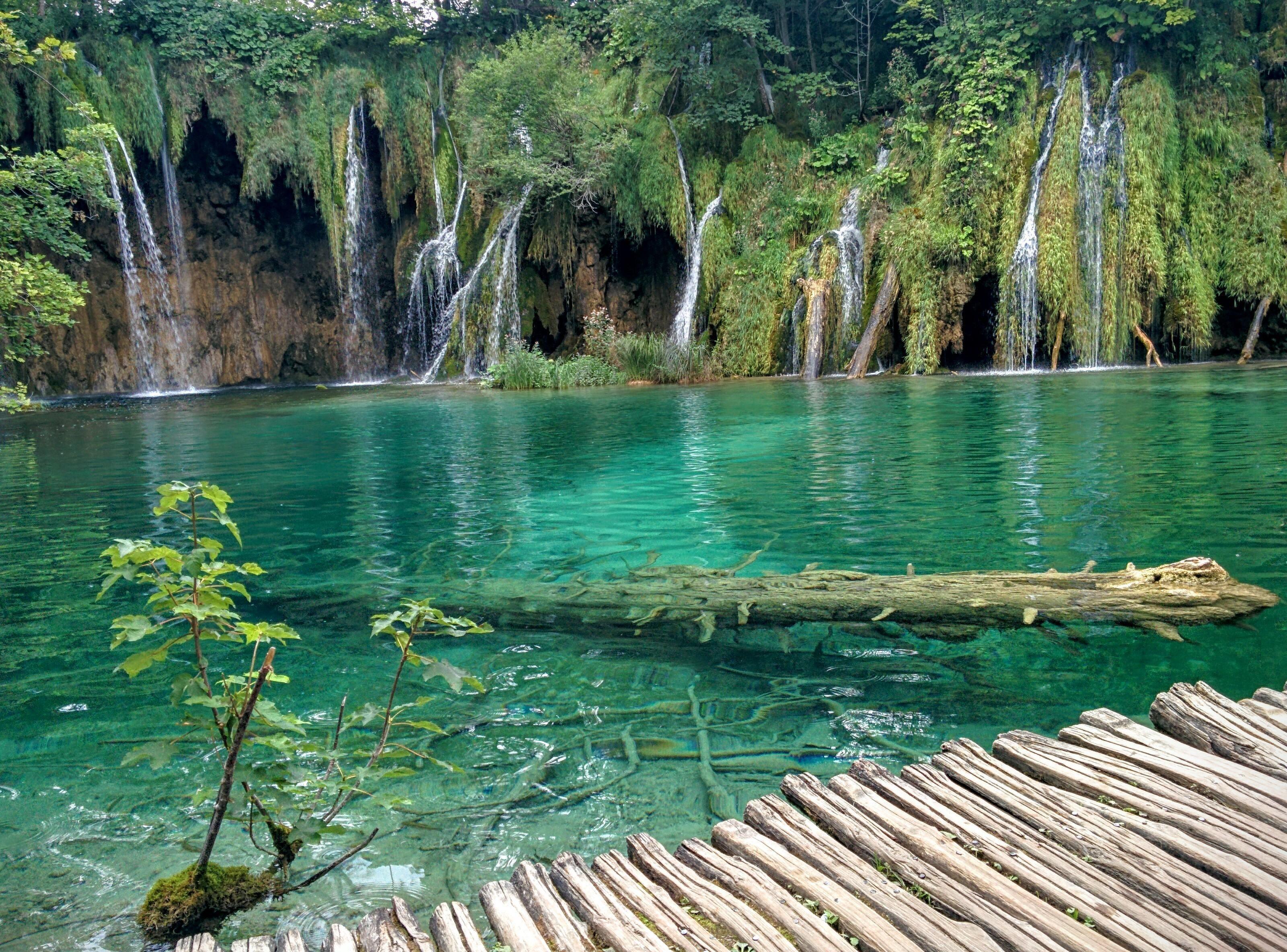 Plitvice Lakes National Park, Croatia зурган илэрцүүд