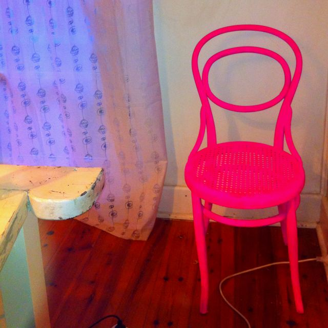 Up Cycled A Wooden Chair Yesterday With 2 Tins Of Neon Pink Spray Paint U003dL  O V E