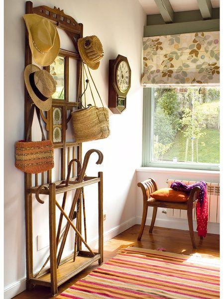 Para entrar con buen pie recibidores bien decorados - Percheros de pie antiguos ...