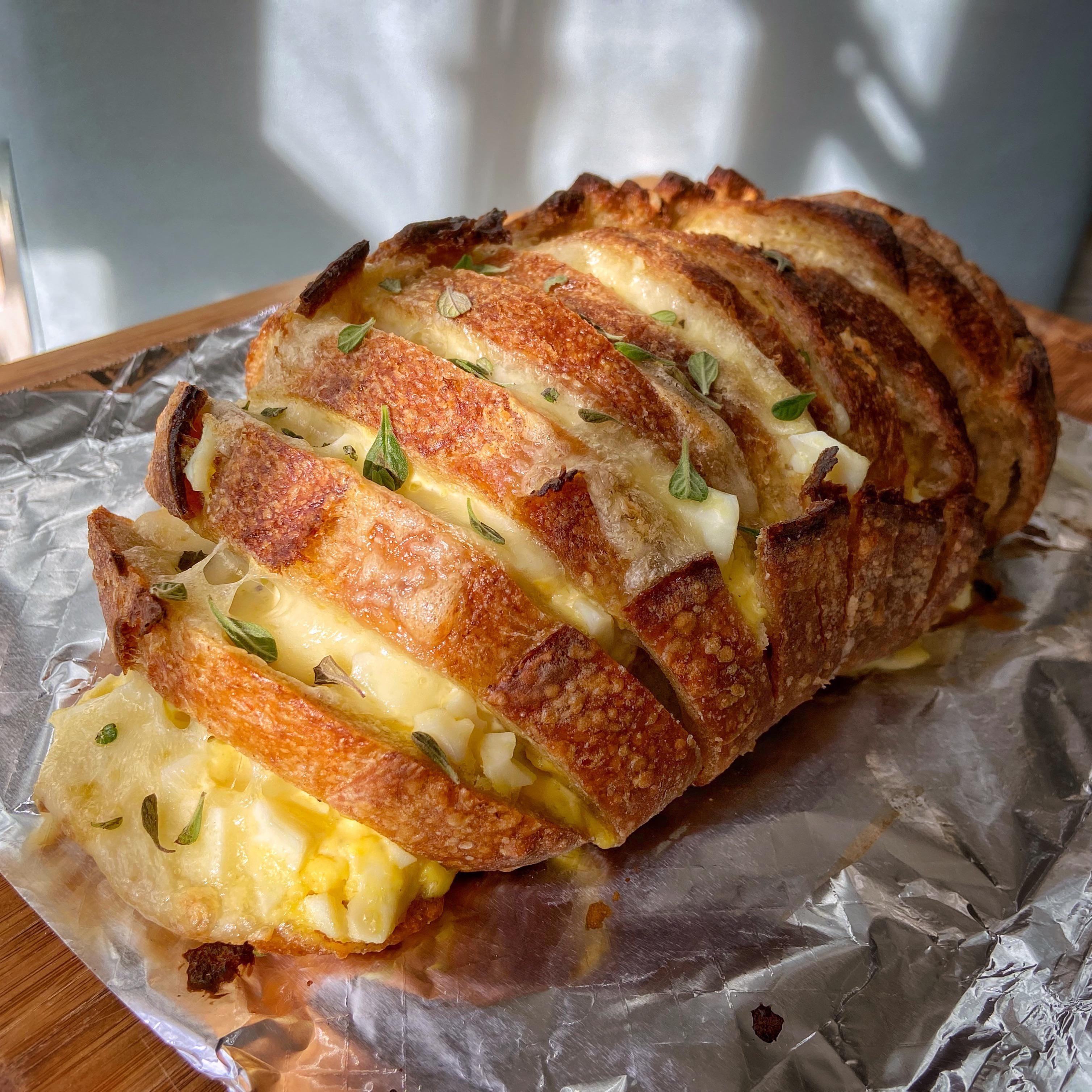 Korean Garlic Cream Cheese Bread Meets Japanese Tamago Sando In 2020 Cream Cheese Bread Food Cheese Bread