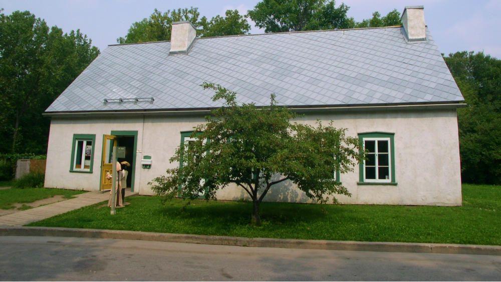 La Maison Du Pressoir Est Un Batiment Agricole Construit Entre