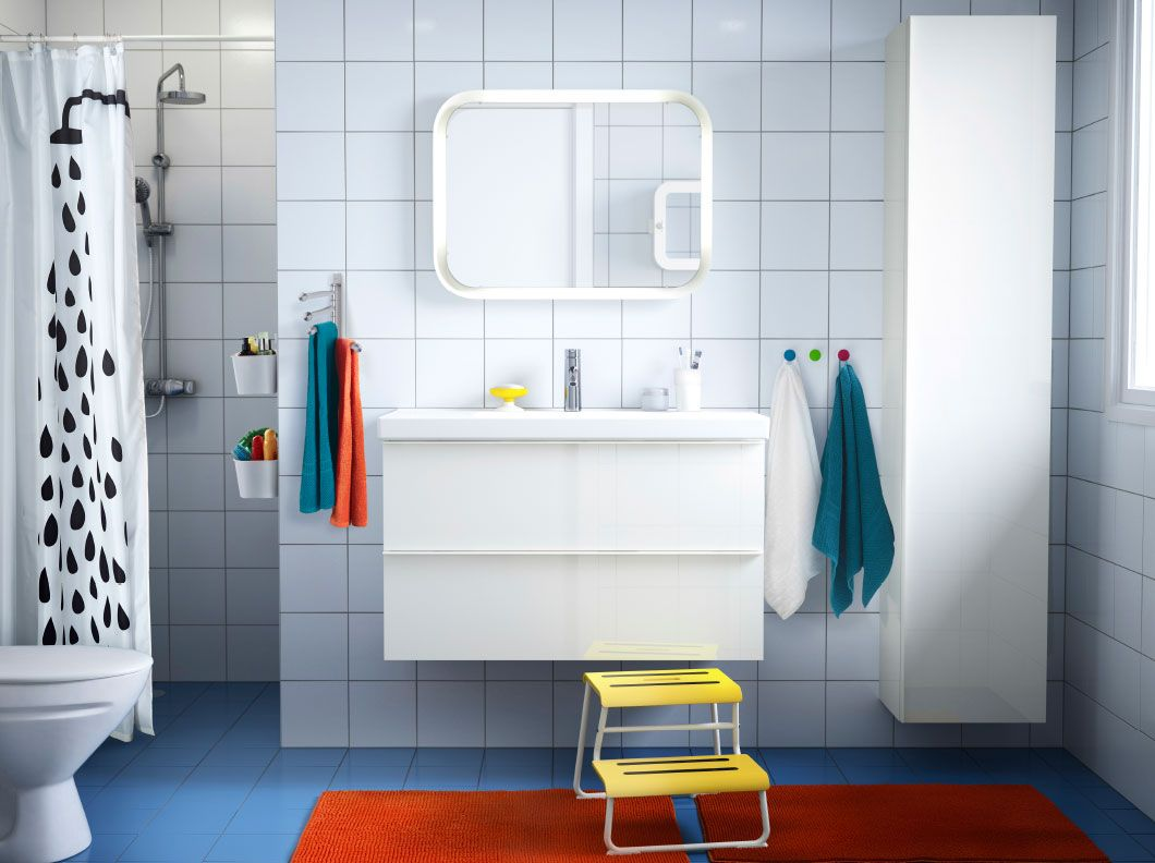 5 Bathroom Designs of kids\' Dreams | Orange rugs, White tiles and Sinks