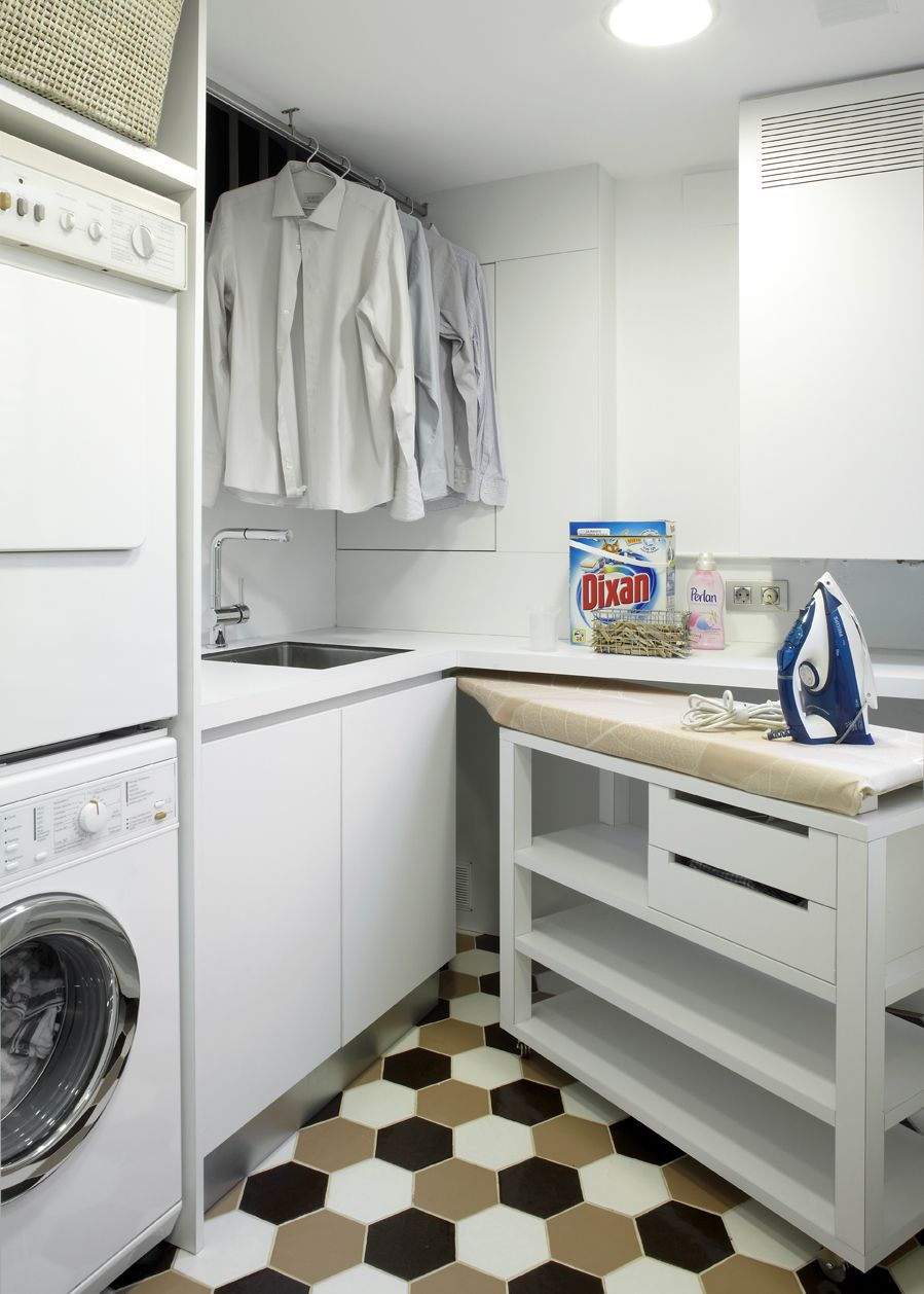 Molins interiors arquitectura interior cocina - Mueble lavadora secadora ...