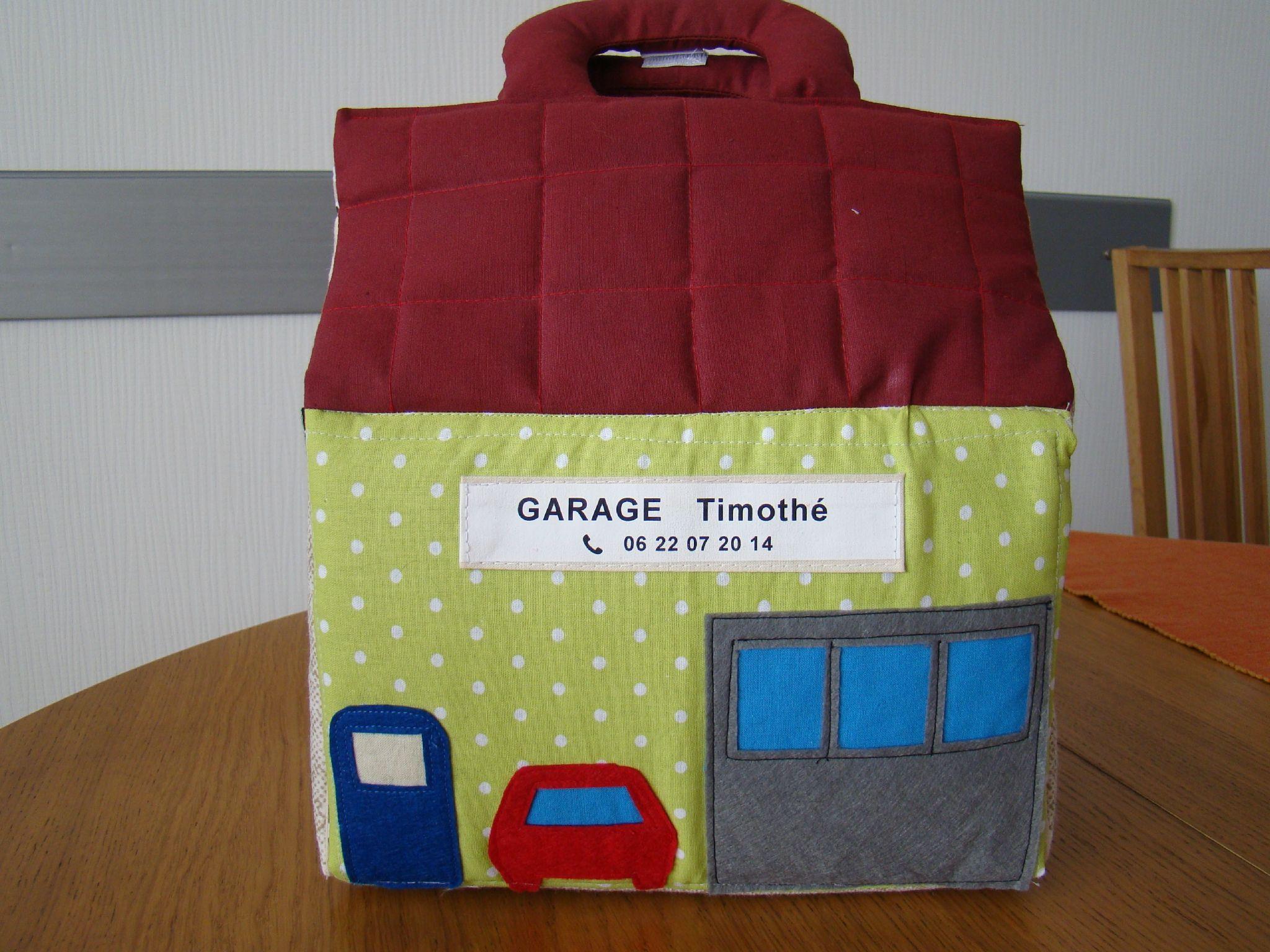 Tuto maison tissu pour poup es garage ferme la bo te couture mon petit nuage - Couture pour la maison ...
