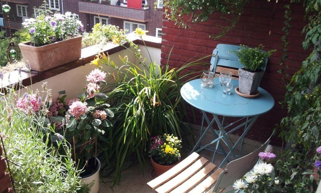 Mini Balkon mini balkon mit vintage möbeln balkon einrichtung balcony