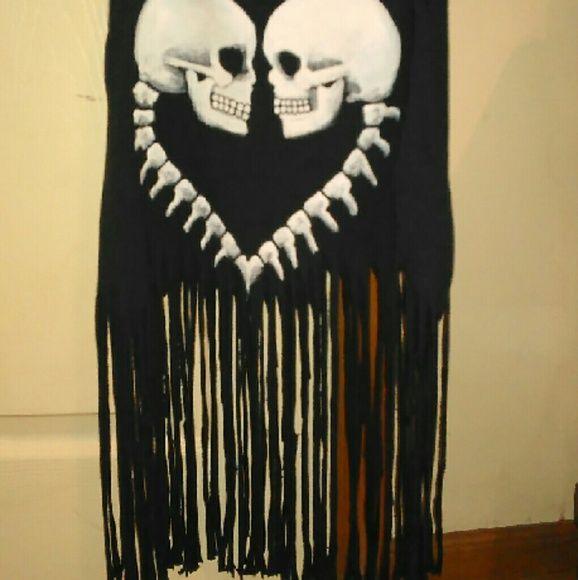 Super cute skull top Skull top with long fringe Tops Tank Tops
