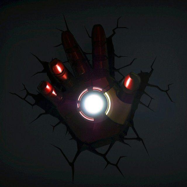 Iron Man Hand 3d Nightlight Want It Own It Add It To Your Profile On Unioncy Com Tech Gadgets Geeky Comics Disenos De Unas Cosas Raras Marvel