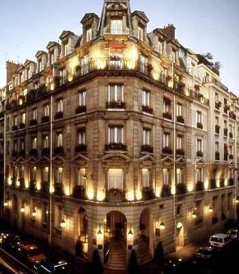 Balzac 5 Paris ( 422$ ) 323$