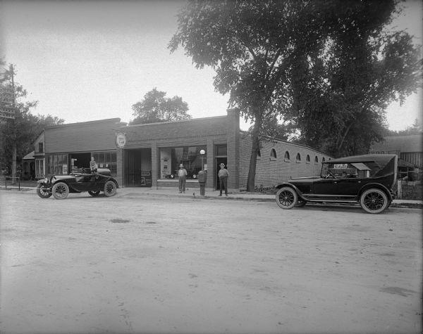 Buick Auto Garage   Photograph   Wisconsin Historical Society