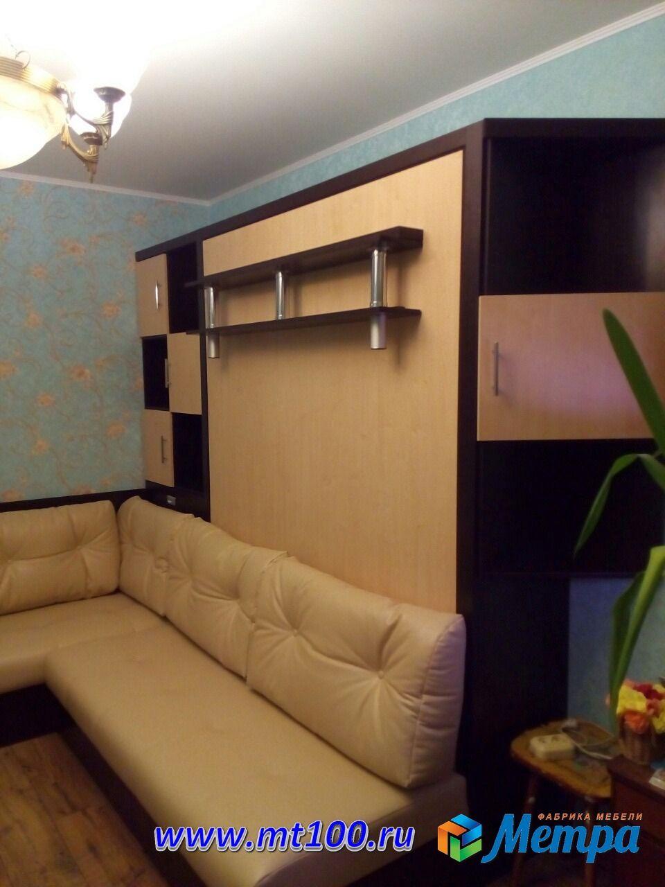 шкаф кровать в шахматном стиле с секретом шкафчиками и столом