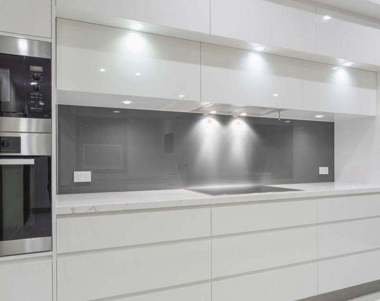 Glasrückwand für die Küche – passgenau für jede Küche