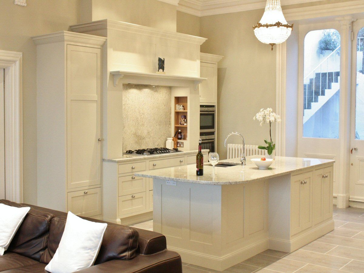 Best Shaded White Kitchen Design Near Dalkey Ireland 400 x 300