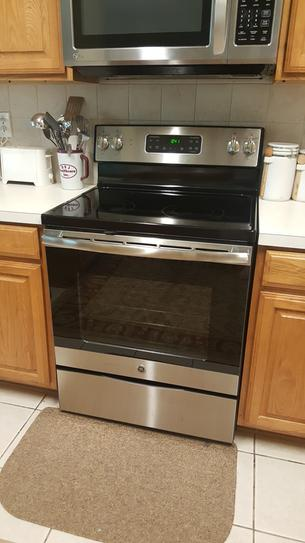 Ge 30 In 5 3 Cu Ft Electric Range With Self Cleaning Oven In Stainless Steel Jb645rkss The Home Depot In 2021 Self Cleaning Ovens Oven Cleaning Stainless Steel Kitchen Appliances