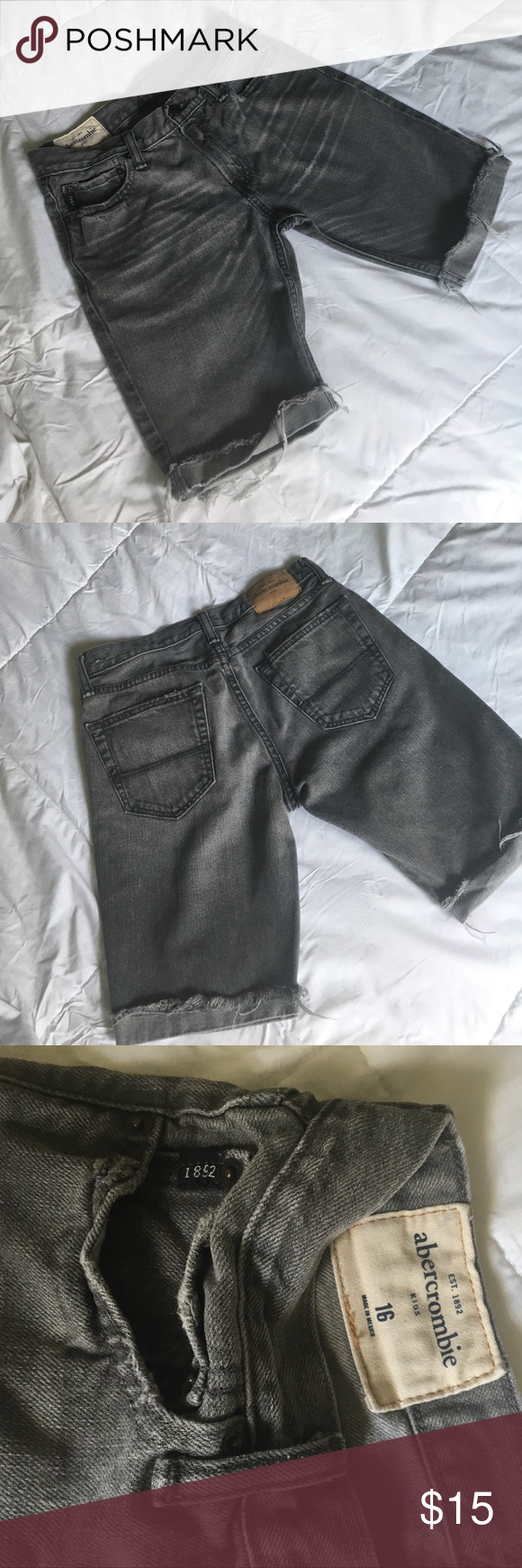 Abercrombie Shorts Kids Abercrombie Shorts size 16 boys. Excellent used condition abercrombie kids Bottoms Shorts