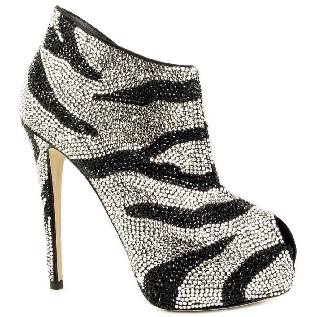 Le silla stilettos shoes pinterest sillas zapatos for Zapatos para sillas
